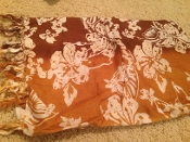 Sarong in brown with white flowers
